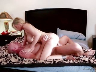 Vanessa Cage gagging on James Deens starchy companion meat