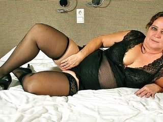 fat hussy on dashing heels is energizing her pussy hole