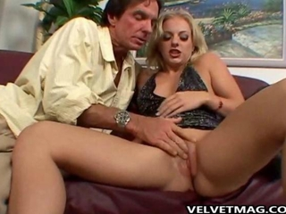 Angela Stone picks up Face fucking blowy