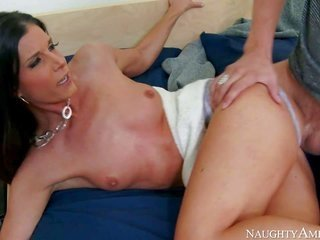 fly insubstantial brunette India Summer, his buddys mother I'd like to fuck, is in a while to him together with he has humdrum but messy hard sma