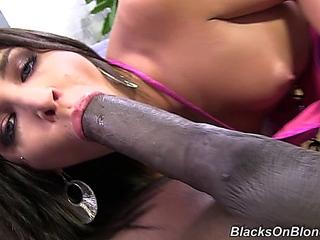 Giselle Leon - B!@