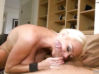 Nikita Von James is on burn in sexy oralfucking maneuver with sexy guy