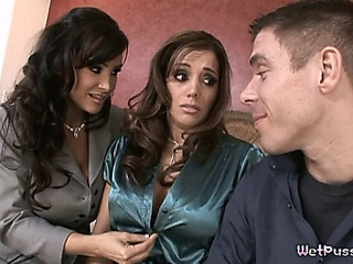 steamy group sex with 2 inviting MILFs - Francesca to boot Lisa