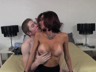 stimulating time with Veronica Avluv
