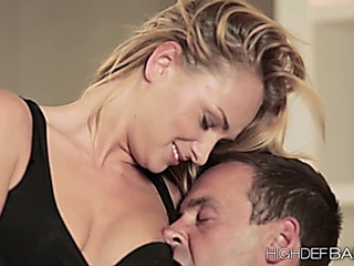 chic Ivana holds creampied in anal before door deed