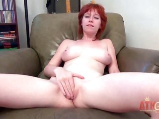 Zoey Nixon proves that her person is aged to conclude erotic dance teasing